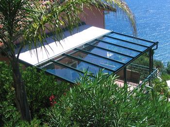 Glasdachsystem - TERRADO GP5200 / GP5210. Sonnen-, Wind-, Wetter- und Blickschutz in einem